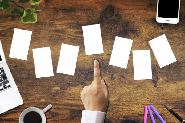 一般(ゴールドでない)楽天カードは全7種類…それぞれの違いは何?